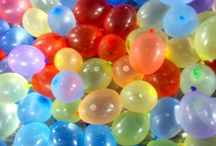 Balloon Games / Balloon games are easy to organize and great fun, especially if you add water to the equation. Do your kids love to splash around in the pool or with the garden hose on a hot summer day? Then you'll find plenty ideas here or on our website, balloon-decoration-guide.com.