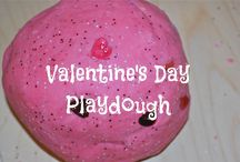 HOLIDAY: Valentine's Day Activities, Crafts and Recipes / Valentine's Day, Valentine's Day crafts, Valentine's Day food, Valentine's Day activities #valentines #crafts #recipes #kids