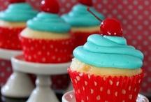 Cupcakes   :) / by Justina Morgan