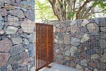 Landscape architecture/ exterior / exterior gabion wall