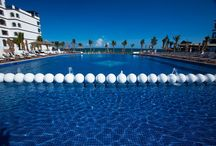 Swimming Pools at the Caribbean / Nothing more beautiful and chilling than an infinity swimming pool facing the Caribbean in one of our Royal Resorts