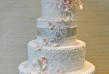 Vintage lace-Wedding cake-
