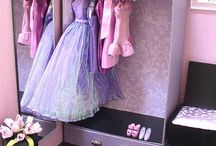 Barbie & dollhouses