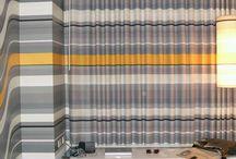 Cortinas: de la estética a la funcionalidad / Las cortinas son elementos que nos permiten controlar la luz que entra en el hogar y crear un ambiente de intimidad en los espacios. Nos permiten cubrir algún defecto, agrandar o disminuir espacios, además de funcionar como un elemento decorativo. Antes de buscar las cortinas por sus colores o decorado, primero debemos conocer cuál va ser su función, el tipo de ventana y las medidas del espacio. De ahí podemos partir a escoger el tipo de cortina que vamos a utilizar.