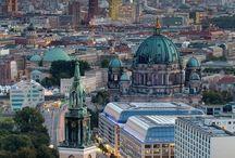 Europejskie stolice na weekend / City break w jednej z europejskich stolic? Co wybrać - spacer po uliczkach Lizbony, szalone zakupy w Berlinie czy odkrywanie wielokulturowego Londynu? Na stronie http://www.werandaweekend.pl/tam-trzeba-byc podpowiadamy, dokąd pojechać, by ciekawie spędzić czas.
