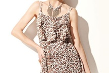 Women Clothing Online / Vanses is one of the reputed online clothing store in Australia offers trendy clothes for women, ladies fashion clothing and dresses online at very affordable costing.