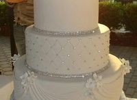 Wedding Cake Ideas / by Emily Peterson
