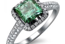 Front Jewelers' Green Diamonds (Yes.. Green.)