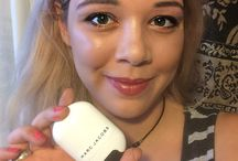 #MarcGlowStick Marc Jacobs Beauty Glow Stick Glistening Illuminator / I love my #MarcGlowStick. Amazing highlights with this luminizer and it lasted all night last night (almost 12 hours). This is my new fave product. Basically you swipe it across your brow, your cheeks, the side of your nose, and on the chest a little bit for incredible glow. #GotItFree from @MarcBeauty and @Influenster.