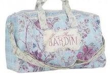 Cestovní kufry a tašky