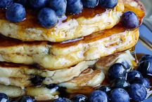 Pancakes. French Toasts. Oats. / by Kristine Parrish