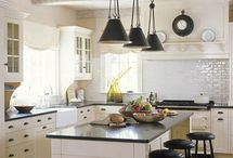 kitchens / by Danielle Uerlings