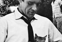Cats and famous / Cats photographed with famous people.