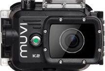 Kamery sportowe / Proponowane przez nas kamery to solidny sprzęt dla każdego ekstremalnego sportowca – są projektowane tak, by służyć w trudnych warunkach i jak najdłużej dzięki pojemnej baterii; charakteryzują się wysoką odpornością na warunki atmosferyczne oraz nagrywaniem w najwyższych możliwych rozdzielczościach.