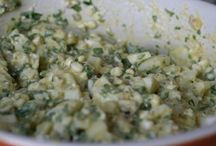 Pålægssalater   salater  dansk tekst / Pålægssalater  blanding der indeholder en bestemt dominerende ingrediens, rørt op med mayonnaise eller dressing og brugt som pålæg eller tilbehør fx italiensk salat, rejesalat eller karrysalat