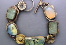 bracelets / bransolety