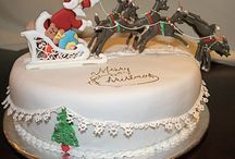 Cakes: Christmas / There are also a few Winter wedding cakes too. / by Lorna Payne