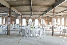 Mobiliar / Ob Hochzeiten, Empfänge, Modenschauen oder eine Geburtstagsfeier: auch mit dem Set-Up steht und fällt jede Veranstaltung.