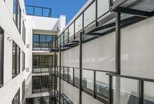Project: M1875 / Complejo de viviendas de lujo situado en pleno corazón de San Francisco que cuenta con un diseño limpio y moderno que busca sobretodo la comodidad y felicidad de sus inquilinos. + información de este proyecto en nuestro blog: http://goo.gl/EWLIwo