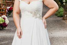 Wedding dresses / Plus