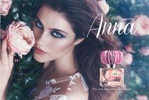 Profumi Make-Up e accessori di bellezza / Lo Shopping online da casa tua, dove scegliere con cura ogni tipo di profumo make-up o accessorio che tu desideri, fra le migliori marche del Made in Italy e Internazionale.