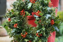 Homemade Christmas / Inspiring ideas to make your own homemade Christmas wreaths and festive decorations.
