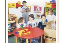 Katalogi Nowej Szkoły / Na tej tablicy znajdują się okładki naszych katalogów.