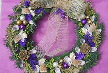 Holiday Wreaths / Pretty Wreaths to deck your doors / by Cyndi Wolford