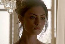 Characters: Cassandra Thompson