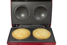 NEW!! Double Pie Maker! / Brand new to Gourmet Gadgetry!! The Retro Diner Double Pie Maker allows you to make two sweet or savoury pies in a matter of minutes, the perfect dinner sized portion!!
