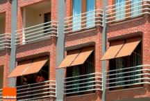 Manuel Panjur | Winsa Üretici Bayi Pvc Pencere / Panjur mekanizmalarında kullanılan en son yenilik motor ve kontrol üniteleri olmasına karşın, farklı taleplere göre manuel panjur uygulamaları yapılmaktadır. 50 cm altında kalan pencere ölçülerinde veya bölünen ve bu ölçünün altındaki detaylarda manuel panjur sistemleri uygulanır. http://winsaureticibayi.com/urun/panjur-sistemleri/