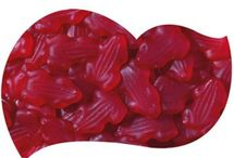 Red candy buffet / Celebrating anything??? Why not try a red theme candy buffet....