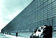 Architecture en uniforme, projeter et construire pour la Seconde Guerre mondiale / Exposition présentée à la Cité de l'architecture & du patrimoine du 24 avril au 8 septembre 2014