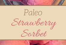 Quick and Easy Paleo Desserts / Quick and Easy Paleo Desserts for healthy Paleo dessert recipes that are quick and easy to make.