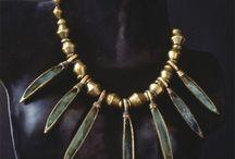 gioielli etnici e antichi