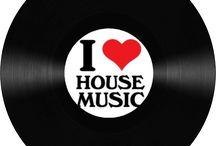 house/trance music.