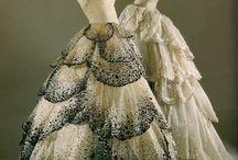 Dresses / by Kimberley Dowdrick