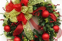 Wreaths / by Michelle Bologna