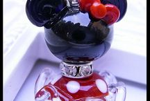 Glass beads / Beautiful examples of glass beads and tuts / by Karin Stieben