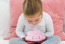 Baby en Trends ✰ Lampen / Ben je op zoek naar leuke verlichting voor in je babykamer? Hier delen we leuke wandlampen, hanglampen en tafellampen van allerlei bekende merken als: ALLC, Baby's Only