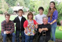 Little People, Big World / The series chronicles the lives of the six-member Roloff family farm near Portland, Oregon. Many of the episodes focus on the parents, Matt and Amy, and one of their sons, Zach, who are diagnosed with dwarfism. Airs on TLC.  (Wiki)