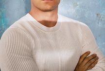 Henry Cavill + 30 anos