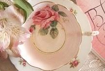 fincanlar ve tabaklar