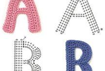 alfabeto all'uncinetto