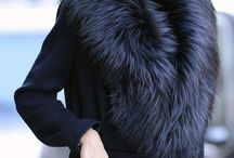 Winter Fashion / Find here inspiration for your winter style and still stay warm. We not only pin images of sunglasses and glasses here, but also simple amazing fashion. Might it be coats or hats or gloves, we show you how to combine them and which one is the best color for the season.