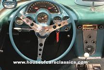 Volantes y salpicaderos / Descubre los interiores de los coches clásicos