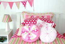 Patersonrose Pink Girls Rooms / All girls should be allowed pink ( in some small or large way ) in their rooms. It's pretty, cheery, colourful, warm, feminine, fun & most importantly, girlie. Let's celebrate girls & pink!