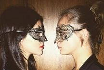 Stars in masks / Famous people wearing La Fucina dei Miracoli masks. Outfit ideas or a masquerade ball www.maschere.it