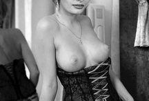 Female Nudes (NSFW)