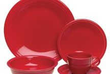 Fiesta Place Settings / Fiesta Place settings come in four piece, five piece, or twenty piece place settings.  Like all Fiestaware products, they are beautiful, strong, versatile, and Made in the USA!